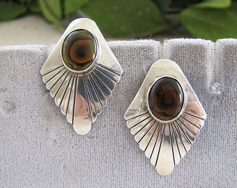 Native American MOP Sterling Silver Earrings with diamond like shape and scallop edge