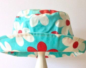 PVC rain hat in Daisy
