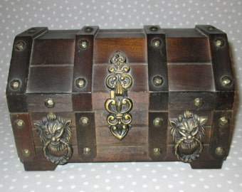 Vintage Pirate Treasure Chest Jewelry Box Wood Lions Lion Gold 1970s