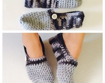Unisex Shoes, Crochet House Shoes Size 8, Grey & Black, Hand Made in the U S A, Item No. BDE004