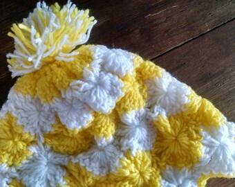 Snow Bunny Baby Chick White Yellow Handmade Knit Hat Pom Pom 70s 60s Vintage Cap