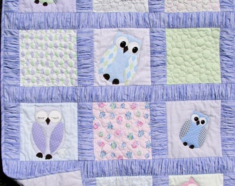 Baby quilt pdf pattern features gathered borders and owl appliques