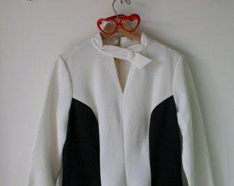 Vintage MOD GIRL Black and White Dress.....size medium to large womens...gogo. 1960s dress. retro dress. disco. mod. twiggy. fancy. classic