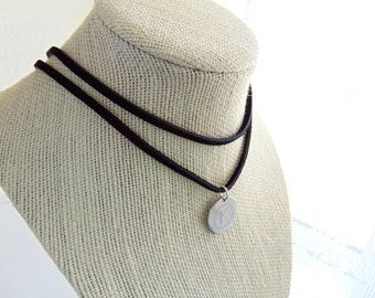 Black leather choker, personalized Layered necklace, customized disc choker, name necklace, initial wrap choker, stamped letter necklace