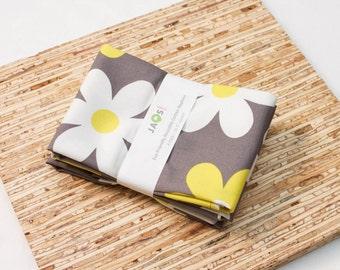 Large Cloth Napkins - Set of 4 - (N2944) - Daisies Gray Modern Reusable Fabric Napkins