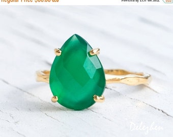 SALE - Green Onyx Ring Gold - Solitaire Ring - Green Stone Ring - Stacking Ring - Gold Ring - Tear Drop Ring - Prong Set Ring