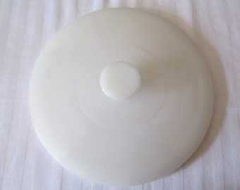 """Vintage Fire King Milk Glass Round Casserole Dish Replacement Lid 7 3/4"""""""