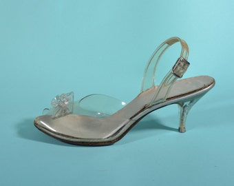 Vintage 1950s Carved Lucite Shoes - Slingback High Heels - Wedding Fashions - Size  6 7 N