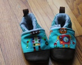 Baby Shoes, Kids Slippers / Robots /Shoes Mimimalist Soft Soled Toddler Slippers Leather Soles / Summer ShoesBoy Girl