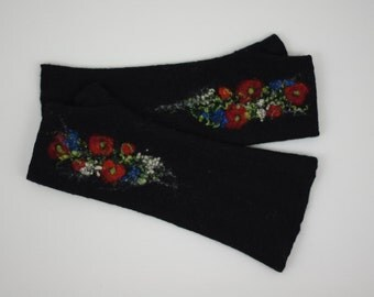 Long Felted Fingerless gloves Fingerless Mittens Arm warmers Gloves Black Red Poppies