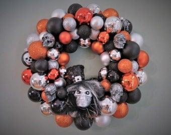 HALLOWEEN Wreath SKULL  Ornament Wreath Black Orange Silver