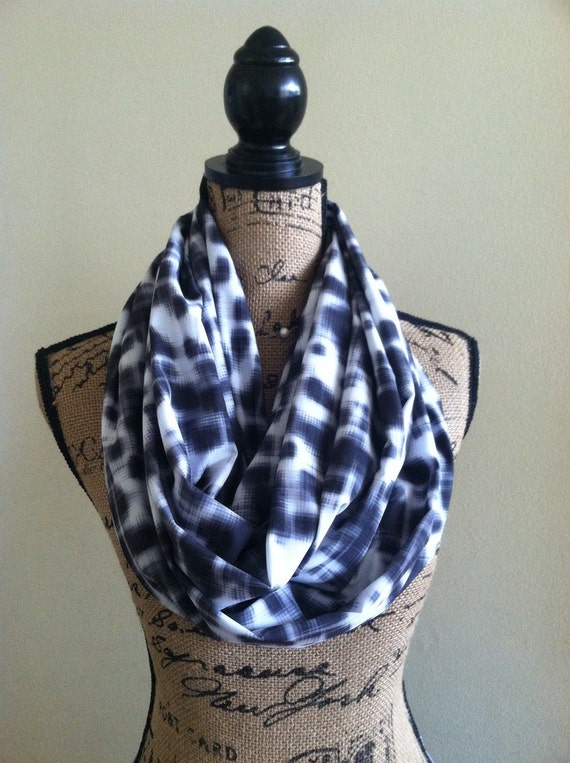 Grey and white travel scarf with pockets infinity scarf with for Travel scarf