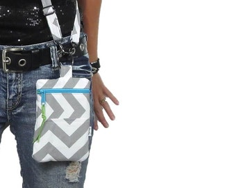 cross body bag in gray chevron with adjustable strap. accessory purse. gadget purse wristlet. choose zipper color.