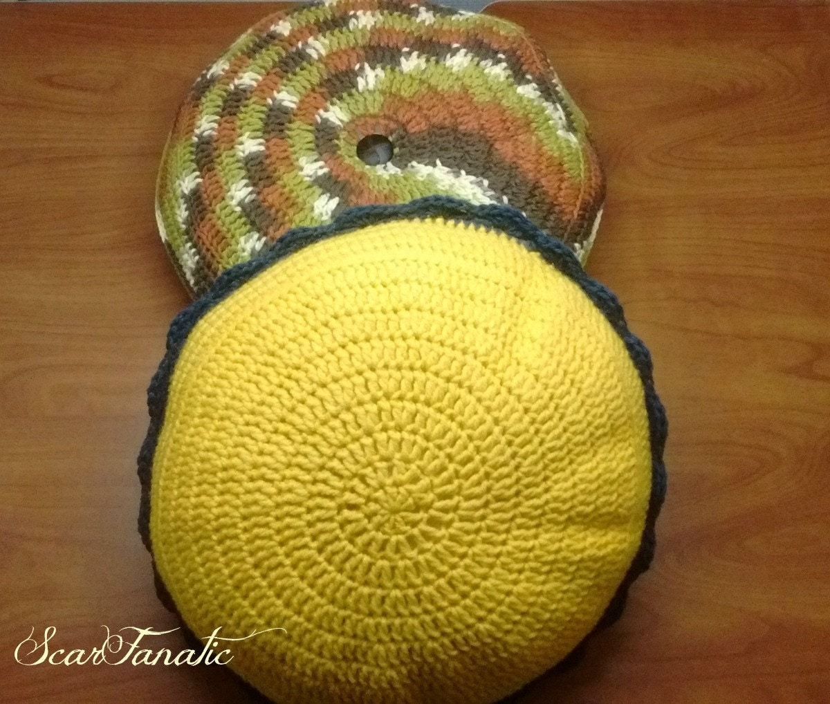 PATTERN ONLY Easy Crochet Round Throw Pillows/ Tufted/ photos