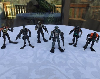 Sale Rare Soldier Force Military Action figures with flippers and weapon, movable joints.Special Forces figures. gift