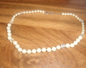 vintage necklace faux pearls glass beads monet