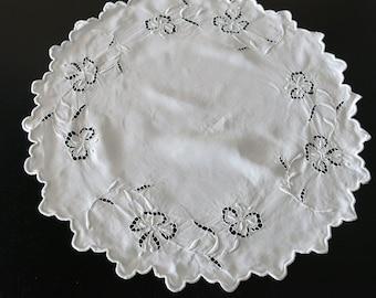 Victorian White Linen Circular Doily White Work Cut Work Lilies 347a