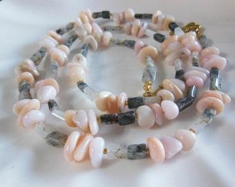 Pale pink natural Peruvian Opal handmade necklace795