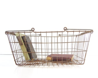 Vintage Metal Wire Basket / Metal Shopping Basket / Industrial Storage