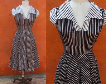 Vintage 1970s Cotton Day Swing Dress. Black White Chevron stripes. The Limited