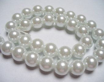 Glass Pearl White 8MM