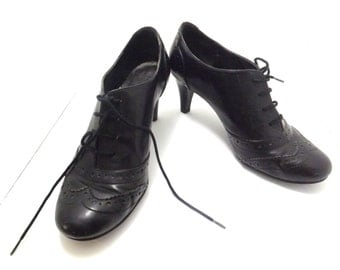 Vintage high heel shoes, size 8.5 Predictions Black, woman's  ladies pumps