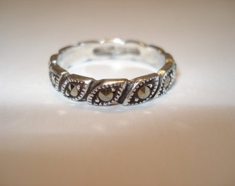 Leaf Band with Marcasite Gem Accents, 925 Sterling Silver, Size 8, Great as a Stacking Ring