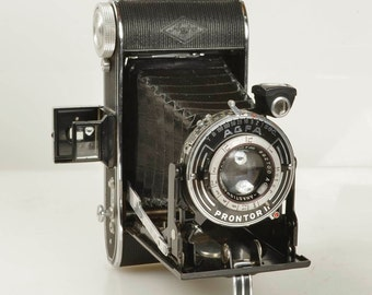 Vintage 1950 Agfa Billy Record Folding Medium Format 6x9 Camera for 120 Film, Made Germay