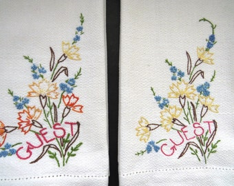 Pair Vintage Guest Hand Towels - Hand Embroidered Floral Bathroom Towels - Boott Cotton Mills - Powder Room Linens - Collectible - Gift