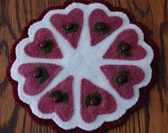 Hearts & Flowers - a Petite Penny Wool Candle Mat