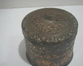 Vintage Round trinket Box Metal