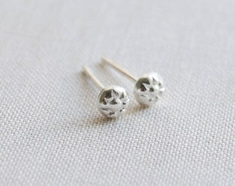 Tiny Flower Stud Earrings, Sterling Silver Flower Earrings, Handmade Flower Earrings, Spring Earrings, Summer Accessory, Olive Yew - 3211