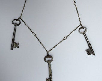 Antique SKELETON KEY handmade bronze necklace
