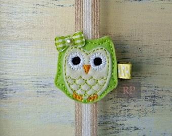 Felt Green and Yellow Owl on Alligator Clip - Bird Clip - Animal Embroidered Felt - Hair Clip