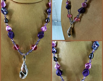 """925 Mexico, Sea Shell Pendant on Purple and Pink Czechoslovakian Cut Glass Beads Necklace, Vintage 1 5/8 Inches Long, 20"""" Long"""