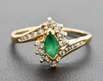 Vintage Genuine Emerald & Diamond 14k Gold Ring