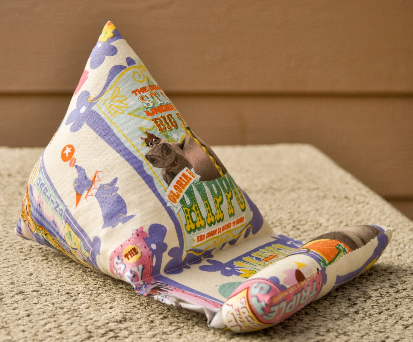 Phone/Kindle/Nook/iPod or iPad/Tablet Pillow Stand Madagascar