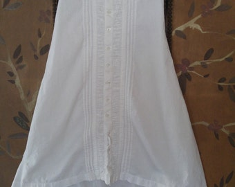 1940s long white pleated baby's Christening dress / gown.