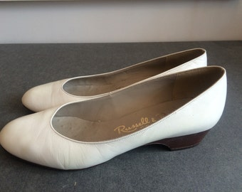 Vintage Russell & Bromley Off-White Low Heel Pumps Size 5 UK, 7.5 US, 38 EU