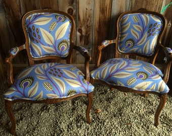 Dreamy:  Country French chairs in classy African chintz