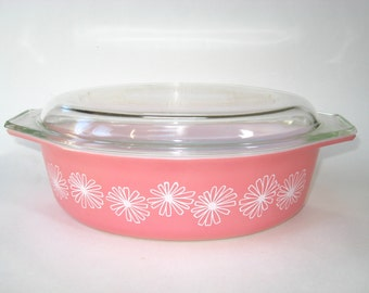 Pyrex Pink Daisy 2.5 QT Covered Casserole #045 - Oval Baking or Serving Dish w/ Lid -Excellent