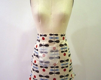 Half Apron Cafe style in Modern Geometric Print Barkcloth - Natural, Red, Blue