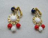 Vtg Patriotic American red white and blue glass bead earrings