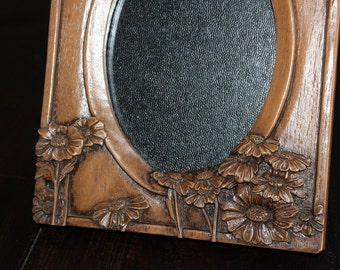 80s sHaBBy ChiC wooden flower frame
