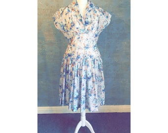 Summery Handmade 50s Vintage Party Dress Size 10/12 UK with V Neckline and Pleated Skirt