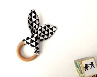 Black and White Triangles Teething Ring