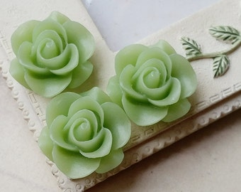21 mm Green Colour Rose Resin Flower Cabochons (.ag)