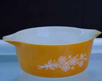 Butterfly Gold 2.5 Liters Pyrex Ovenware 473-B Vintage Casserole Dish (no lid)