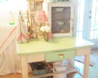 French  farmhouse table  shabby chic Farmhouse prarie Rachel Ashwell
