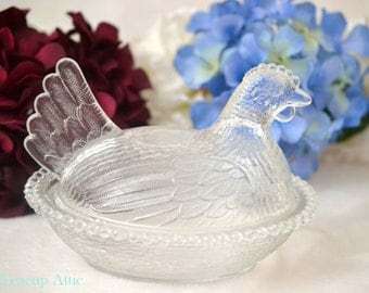 ON SALE Indiana Glass Clear Glass Nesting Hen, Collectible Glass Hen, ca. 1940-1950